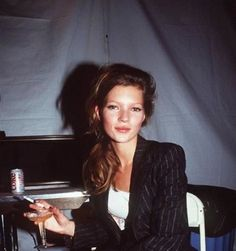 Diet Coke, Champagne, Cigarettes the supermodel diet Kate Moss Lauren Hutton, Linda Evangelista, Christy Turlington, Ella Moss, Kate Moss Joven, Kate Moss Stil, Drew Barrymore 90s, Pinterest Instagram, Heroin Chic