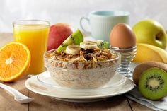 Granola - co to je, co obsahuje, účinky, recept. Best Breakfast, Healthy Breakfast Recipes, Healthy Eating, Healthy Recipes, Healthy Foods, Protein Foods, High Protein, Healthy Weight, Diabetic Recipes