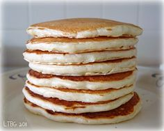 homemade pancake mix and recipe for fluffy pancakes recipes Frozen Waffles, Pancakes And Waffles, Fluffy Pancakes, Making Pancakes, Breakfast Pancakes, Breakfast Club, Tostadas, Brunch Recipes, Recipes