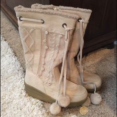 """❄️Cold Weather Boots ❄️ New never worn (only in store to try on!) Stylish & Chic Beige Cable Knit & Suede Zip up boots. Adorable Dingle Ball cinch up tie top. Top stitched suede like outer material. Faux fur inner & even the inner soles lined with warm faux fur! 2.5"""" wedge rubber heel. ❌Trades ❌Paypal Canyon River Blues Shoes Winter & Rain Boots"""