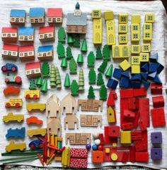 Immense terrain Vintage jouet bois est-allemand bloque maison, voiture, arbre…