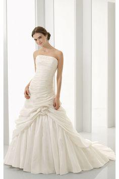 Ballkleider Verziertes Picked Up Skirt Brautkleid Aus Taft $300.99 Brautkleider für Schwangere