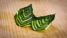 Japanese Cucumber Leaves Sushi Garnish Get the same knife here. http://makesushi.org/store/sushi-knives/ In this video tutorial Chef Davy Devaux shows you ho...