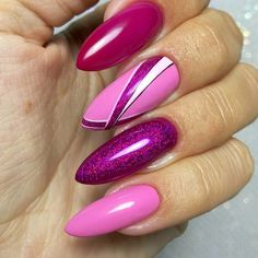 In order to provide some inspirations for nails red colors for your long nails in this winter, we have specially collected more than 80 images of red nails art designs. I hope you can find a satisfactory style from them. Fancy Nails, Pink Nails, Cute Nails, Pretty Nails, Glitter Nail Art, Nail Art Diy, Perfect Nails, Gorgeous Nails, Winter Nails