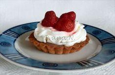 Zobrazit detail - Recept - Dortíčky s jahodami Cheesecake, Advent, Food, Cheesecakes, Essen, Meals, Yemek, Cherry Cheesecake Shooters, Eten