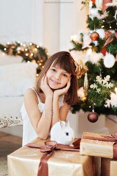 Новогодние фотосессии в студии Christmas Shots, Christmas Portraits, Christmas Pictures, Christmas Colors, Family Christmas, Vintage Christmas, Xmas, Snow Photography, Christmas Photography