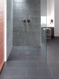 Offene bodenebene Dusche * Glaswand * moderne Ideen fürs Bad * graue Fliesen