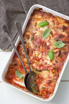 """Parmigiana di zucchine: scopri la versione """"con le zucchine"""" della classica parmigiana.  [Italian zucchini parmigiana]"""