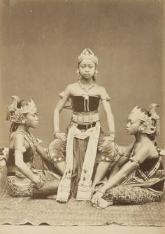 Indonesian dancers c1880s