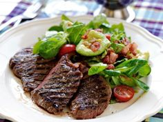 Bbq Steak, Swedish Recipes, Grits, Dinner Table, Baguette, Sweet Tooth, Bacon, Lunch, Meat