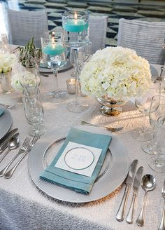 The glamorous tables were accented with silver detailing, giving the décor a sophisticated edge.