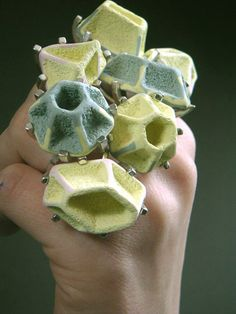 Alternatives gallery for contemporary jewellery - Andrea Wagner