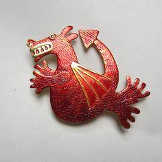 Drago di drago rosso spilla, scarlatto di TheHollowbourneHoard su Etsy https://www.etsy.com/it/listing/470715469/drago-di-drago-rosso-spilla-scarlatto