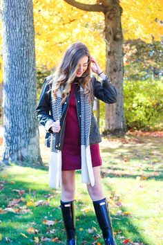 Dress: Forever 21 | Jacket: Jcrew  | Scarf: Light In The Box | Boots: Hunter  | Watch: Daniel Wellington  (Use the code C...