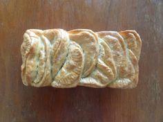 Pull Apart Garlic Cheesy Bread Recipe by Sanaa A'esha Cheesy Bread Recipe, Bread Recipes, Rhodes Bread, Rhodes Rolls, Garlic Monkey Bread, Cheesy Pull Apart Bread, Bread Winners, Herb Butter, Looks Yummy