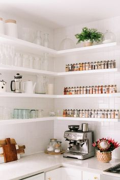 kitchen decor ideas | kitchen open shelves #kitchendecor #glitterguide