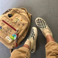 Image about style in indie; grunge by judith on We Heart It Aesthetic Backpack, Aesthetic Shoes, Aesthetic Grunge, Aesthetic Clothes, Aesthetic Vintage, Aesthetic Bags, Urban Aesthetic, Aesthetic Anime, Sock Shoes