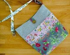 How to Sew a Tote with Many Pockets! ~ free sewing pattern