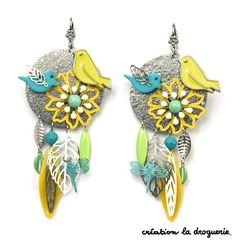 Des B.O. avec des oiseaux ? C'est possible à La Droguerie ! #ladroguerie #bo Boho Jewelry, Jewelry Crafts, Jewelery, Women Jewelry, Practical Gifts, Bijoux Diy, Unusual Gifts, Handmade Necklaces, Custom Jewelry