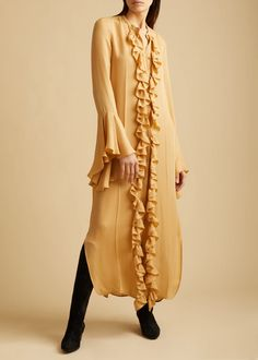 The Callen Dress in Ivory – KHAITE Chic Fashionista, Box Pleats, Sleeve Designs, Covered Buttons, Ruffles, Shirt Dress, Silk, My Style, Coat