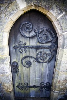 An old door I found somewhere online years ago that I've used as my desktop…