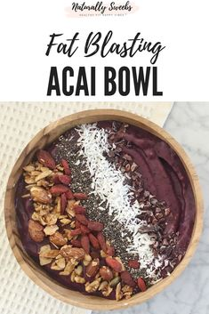 Acai bowl recipe – How to make a detoxifying acai bowl easily Add this fat blasting ACAI BOWL into your diet. It's delicious and detoxifies your body. A great replacement for ice cream. Say no to refined sugar and enjoy this berry explosion! Acai Smoothie, Fruit Smoothies, Healthy Smoothies, Smoothie Recipes, Healthy Snacks, Superfood, Smothie Bowl, Benefits Of Organic Food, Healthy Food Options