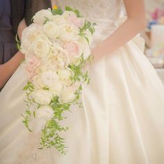 Spring Wedding Bouquets, Wedding Flowers, Wedding Dresses, Elegant Wedding, Bride, Hana, Floral Arrangements, Weddings, Wedding Boutonniere