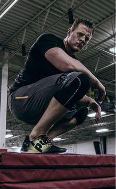 Texans' @JJWatt signs endorsement deal with @Reebok, announces with box jump record http://espn.go.com/nfl/story/_/id/12677559/houston-texans-de-jj-watt-signs-endorsement-deal-reebok …