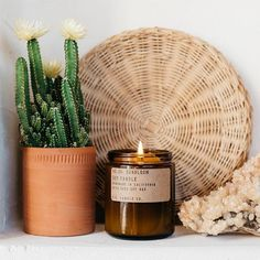 Day-tripping in the desert, spring's first bloom, infinite blankets of kaleidoscopic wildflowers. Golden-rayed lily, yarrow, and tonka bean. This 7.2 oz Standard Candles are hand-poured into apothecary inspired amber jars with P.F. Candle Co.'s signature kraft label and a brass lid.
