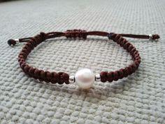 Pulsera con perla en marrón