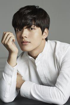 Most handsome boy Asian Actors, Korean Actors, Korean Picture, Jin Goo, Sad Movies, Leeteuk, Korean Entertainment, Kdrama Actors, Japanese Men