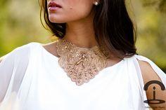 DIY Collar de encaje guipur dorado   Crímenes de la Moda en stylelovely.com