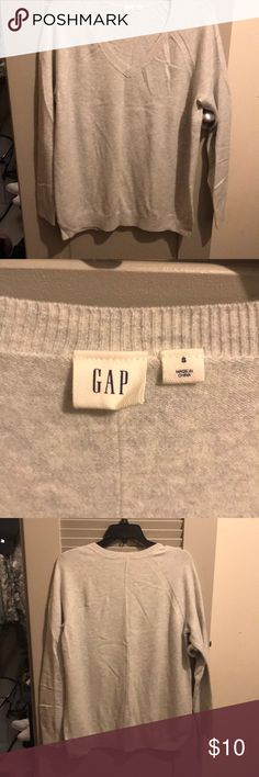 Gap sweater Comfy Gap sweater. Fitting is too large for me, only wore once. GAP Sweaters V-Necks