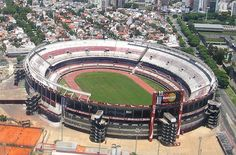 Roger Waters will play for a record night at the River Plate Stadium in Buenos Aires in Arentina. Baseball Park, Soccer Stadium, Football Stadiums, World Football, Soccer World, Play Soccer, Football Final, National Football Teams, 1982 World Cup