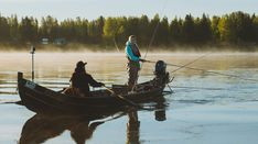 Travelpello: Salmon River Tornio River (Tornionjoki - Torne in Swedish) in Lapland, Finland – salmon fishing in Finnish Lapland Swedish Women, Lapland Finland, Salmon Flies, Salmon Fishing, Midnight Sun, Fly Fishing, Sweden, Tourism, Boat