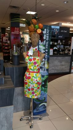 Carmen Miranda juicer display