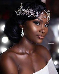 Braut Make-up, Braut Make-up, Black Bridal Makeup, Bride Makeup, Wedding Hair And Makeup, Hair Makeup, Natural Hair Wedding, Eye Makeup, Black Brides Hairstyles, Bride Hairstyles, African Wedding Hairstyles