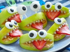 These are ridiculously cute!!! :) Spooky Halloween cakes and bakes