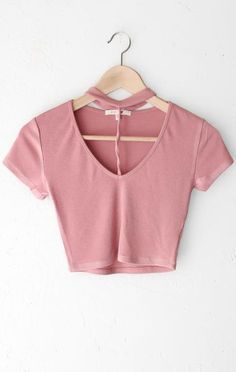 - Description Details: Short sleeve crop top in mauve with choker neckline. Form fitting, tend to run on the smaller side are more fitted. Measurements: (Size Guide) S: 28 bust, 14 length M: 30 b Crop Top Outfits, Skirt Outfits, Casual Outfits, Fall Outfits, Look Fashion, Teen Fashion, Fashion Outfits, Jugend Mode Outfits, Vetement Fashion
