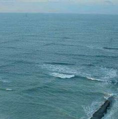 Man Snaps Photo Of Bizarre Square Shaped Waves, Quickly Realizes They're Dangerous | Beauty of Planet Earth