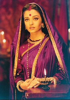 Aishwarya Rai Bachchan in Devdas Bollywood Stars, Bollywood Fashion, Bollywood Makeup, Indian Celebrities, Bollywood Celebrities, Bollywood Actress, Aishwarya Rai Movies, Aishwarya Rai Bachchan, Aishwarya Rai Makeup