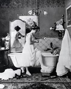 New bath room tiles victorian powder rooms ideas Vintage Photos Women, Vintage Pictures, Vintage Photographs, Old Pictures, Old Photos, Victorian Life, Victorian Bathroom, Victorian Women, Victorian Era Facts