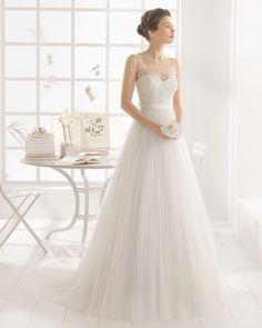 MAGDA vestido de novia  en bordado pedreria y tul.