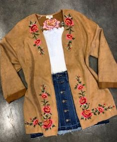 new Ideas for embroidery clothes fashion floral Cute Cowgirl Outfits, Cowboy Boot Outfits, Country Style Outfits, Southern Outfits, Rodeo Outfits, Country Dresses, Casual Outfits, Cute Outfits, Fashion Outfits