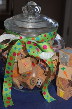 Make your own Imagination Dice for storytelling and writing prompts. Fun for #kids.