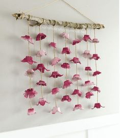 flowers Chic DIY Boho Flower Wall hanging made from egg cartons! This is a must see craft that will not disappoint. Egg carton flowers are easy to make & so pretty Wall Hanging Crafts, Hanging Flower Wall, Boho Wall Hanging, Diy Hanging, Paper Wall Hanging, Hanging Decorations, Ceremony Decorations, Wall Hangings, Flower Crafts