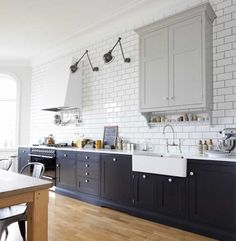 Classic kitchen, vintage, white tiles, black kitchen, grey, vintage lamp, oak floor, parquet, Kvänum. Inspiration for my kitchen.