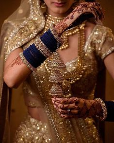 Stunning Blue Bridal Bangles <br> Our pick of the prettiest latest bangle designs and trends that real brides flaunted! Here's so many beautiful bangel designs for you to choose from! Blue Bridal, Bridal Sets, Bridal Style, Indian Jewelry Sets, Indian Wedding Jewelry, Indian Weddings, Indian Bangles, Bridal Jewellery Inspiration, Jewelry Ideas