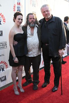 Tara, Bobby and Piney // Maggie Siff, Mark Boone Junior , William Lucking