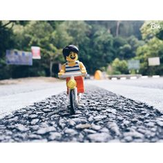 Hi #lego #legography #iphone6 #iphoneography #legominifigs #legominifigure #toyphotography #mylego #legocity #legostagram #brickinsider #legomovie #instalego #legomovie #brickleague #brickculture #mainstreetbrick #instatoys #toycrewbuddies #toycommunity #toyphotography #toyplanet #toyfusion #toyrevolution #toyhumour #toygraphyid #toystagram #minifigure by this_is_bin